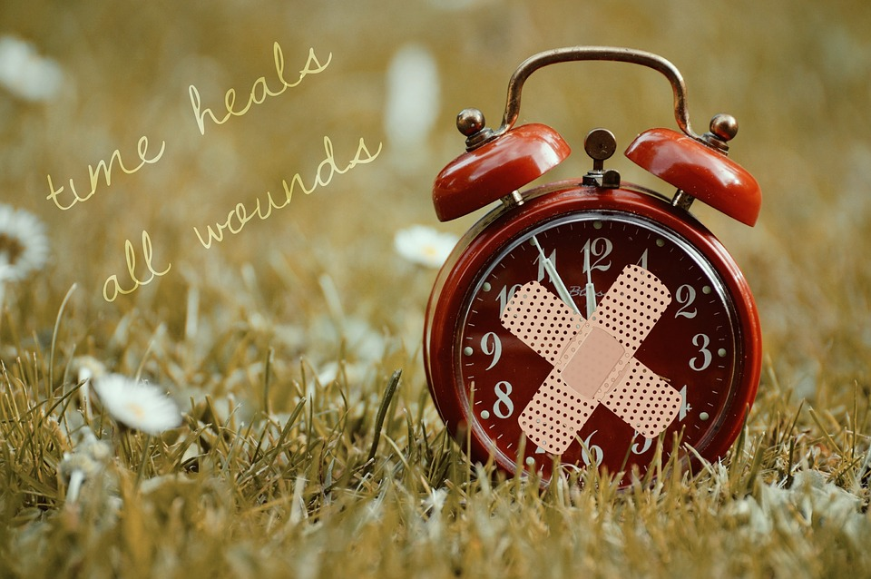 time-heals-all-wounds-1087105_960_720