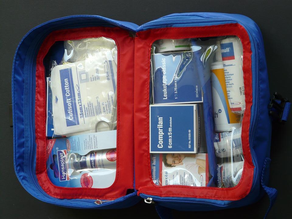 prepare-a-first-aid-kit